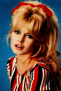 Brigitte Bardot - Poster / Capa / Cartaz - Oficial 18