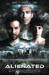 Alienated - Poster / Capa / Cartaz - Oficial 1