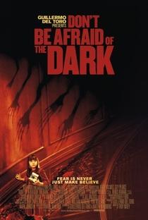 Não Tenha Medo Do Escuro - Poster / Capa / Cartaz - Oficial 1