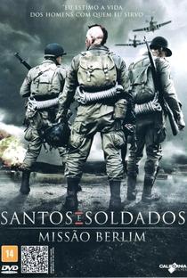 Santos e Soldados: Missão Berlim - Poster / Capa / Cartaz - Oficial 3