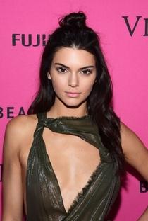 Kendall Jenner - Poster / Capa / Cartaz - Oficial 2