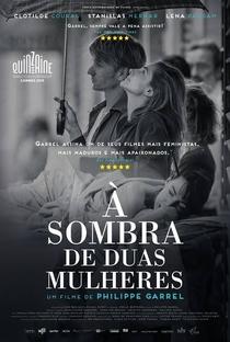 À Sombra de Duas Mulheres - Poster / Capa / Cartaz - Oficial 4