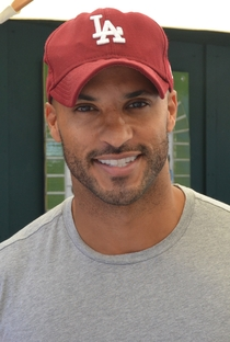 Ricky Whittle - Poster / Capa / Cartaz - Oficial 1