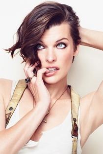 Milla Jovovich - Poster / Capa / Cartaz - Oficial 4