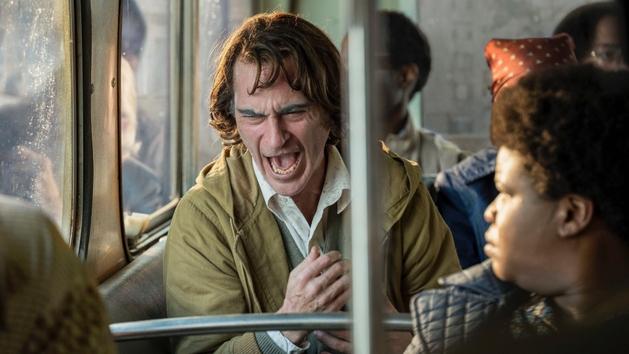 Todd Phillips defende violência do filme Coringa