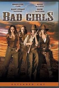 Quatro Mulheres e um Destino - Poster / Capa / Cartaz - Oficial 3