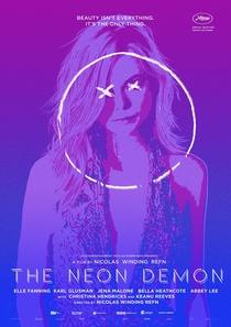 Demônio de Neon - Poster / Capa / Cartaz - Oficial 8