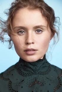 Eliza Scanlen - Poster / Capa / Cartaz - Oficial 1