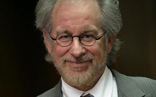 Steven Spielberg diz ter pedido para dirigir um filme de 007 | Vortex Cultural