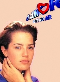 O Amor Está no Ar - Poster / Capa / Cartaz - Oficial 2