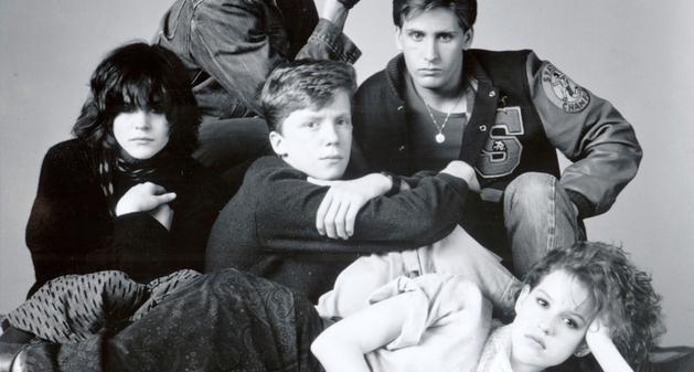 Elenco de Mulher-Maravilha 1984 recria imagem de Clube dos Cinco