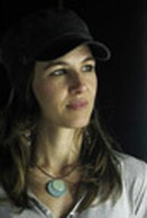 Estela Renner - Poster / Capa / Cartaz - Oficial 1
