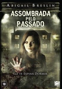 Assombrada pelo Passado - Poster / Capa / Cartaz - Oficial 8