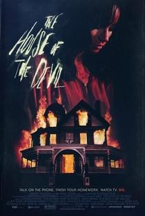 A Casa do Demônio - Poster / Capa / Cartaz - Oficial 1