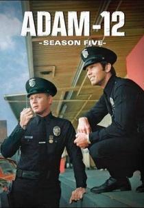 Adam-12 (5ª Temporada) - Poster / Capa / Cartaz - Oficial 1