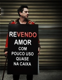Revendo Amor Com Pouco Uso, Quase Na Caixa - Poster / Capa / Cartaz - Oficial 1
