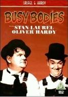 Dois Marceneiros Fora de Esquadro (Busy Bodies)