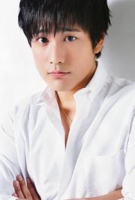 Kiriyama Akito (桐山照史)