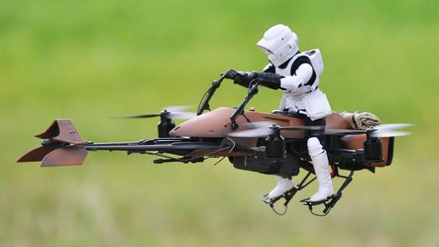[BRINQUEDOS] Star Wars: fã faz uma speeder bike voar de verdade!