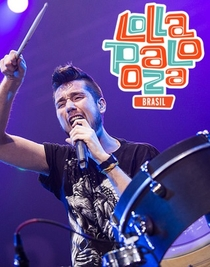 Bastille - Live at Lollapalooza Brasil 2015 - Poster / Capa / Cartaz - Oficial 1