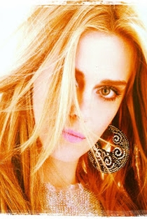Carolina Dieckmann - Poster / Capa / Cartaz - Oficial 21