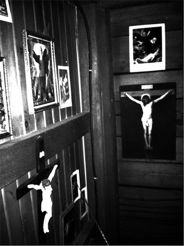 GARGALHANDO POR DENTRO: Notícia   Sala Do Castigo Em Nova Imagem Viral De Carrie, A Estranha
