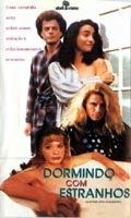 Dormindo Com Estranhos - Poster / Capa / Cartaz - Oficial 1