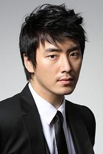 Lee Joon Hyuk - Poster / Capa / Cartaz - Oficial 1