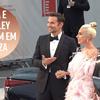 Lady Gaga e Bradley Cooper mostram sua linda parceria no Festival de Veneza