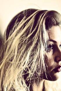 Christiana Ubach - Poster / Capa / Cartaz - Oficial 4