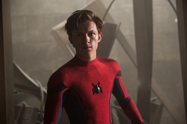 Cenas deletadas: Peter Parker busca uniforme na lavanderia!