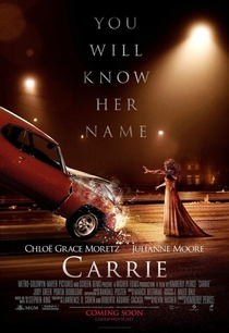 Carrie - A Estranha - Poster / Capa / Cartaz - Oficial 9