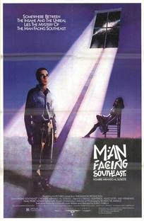 Homem Olhando o Sudeste - Poster / Capa / Cartaz - Oficial 2