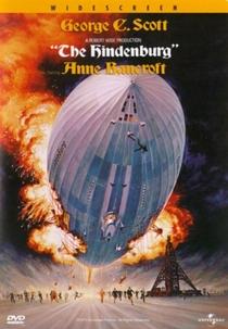 O Dirigível Hindenburg - Poster / Capa / Cartaz - Oficial 8