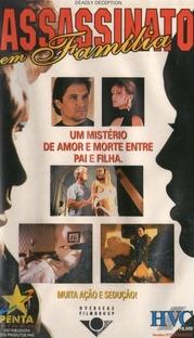 Assassinato em Família - Poster / Capa / Cartaz - Oficial 1