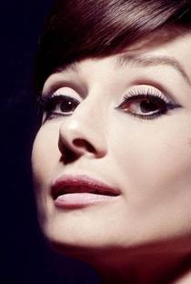 Audrey Hepburn (I) - Poster / Capa / Cartaz - Oficial 11