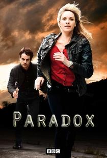 PARADOX - Poster / Capa / Cartaz - Oficial 3